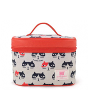 Meow Cosmetic Bag         size 18W x 12.5H x 11D cm Handle length: 10cm.